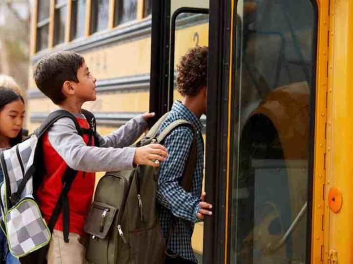 kids-loading-buses